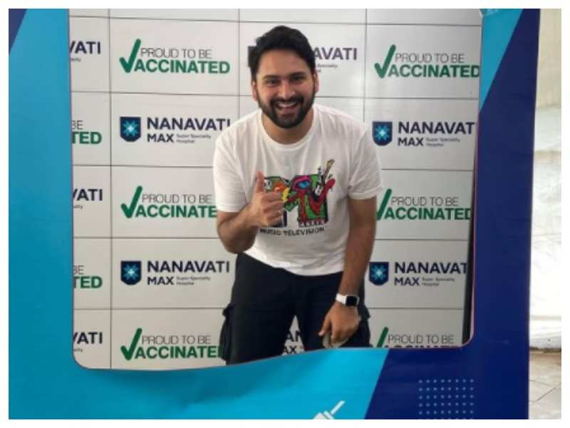 Siddharth Chandekar takes a first jab of the Covid-19 vaccine; see pic