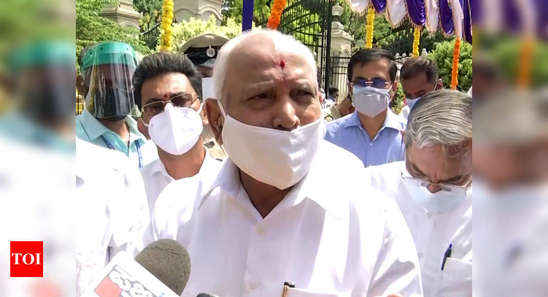 Yediyurappa flashes victory sign as Karnataka BJP in charge Arun Singh winds up 3-day visit   India News – Times of India