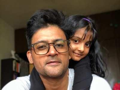 Manav Gohil: Shampoo days are daddy days