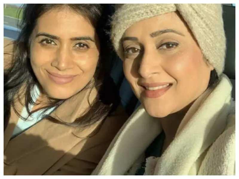 Sonali Kulkarni: I don't think we have any other gorgeous actress like Mrinal Kulkarni around us