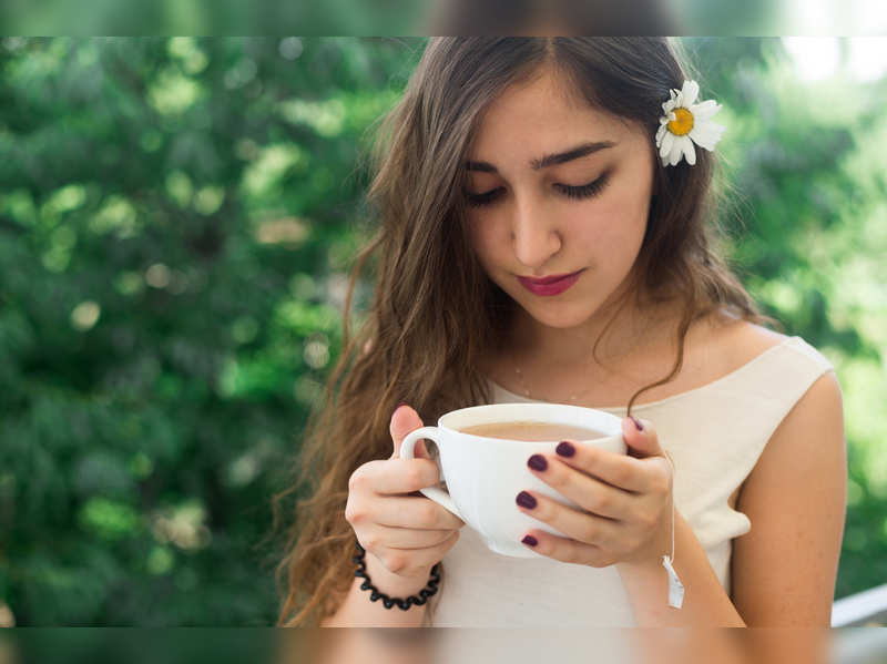 Skin Care: Can herbal tea or detoxifying drinks help in achieving a glowing skin?