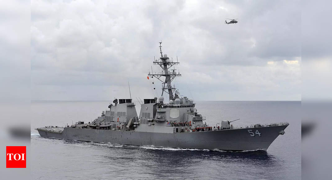 Eye on China: US warship transits Taiwan Strait