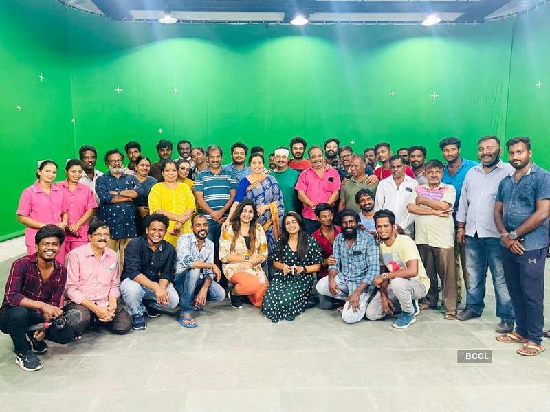 Here's how team Pudhu Pudhu Arthangal surprised Devayani Rajakumaran on her birthday; see pics (Photo - Instagram)