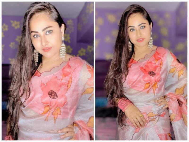 Photos: Priyanka Pandit looks ravishing in this floral saree