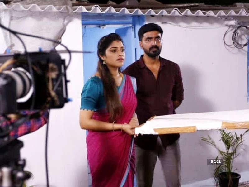 Anbudan Kushi crosses 300 episodes; Prajin Padmanabhan and Shreya Anchan thank fans for their support (Photo - Instagram)