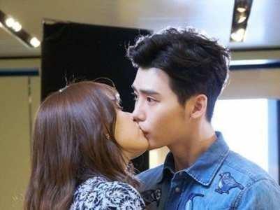 Korean actors who are great at kissing