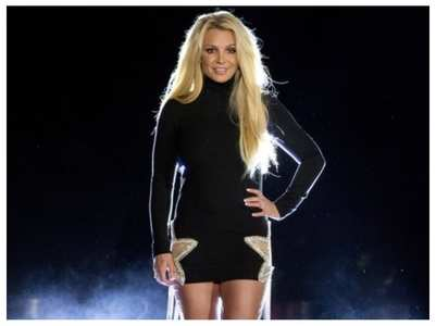 Britney Spears urges judge to end guardianship