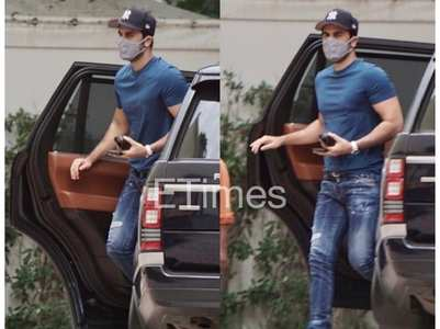 Ranbir Kapoor gets papped outside a studio
