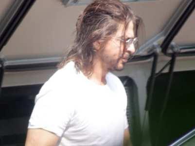 Shah Rukh Khan resumes 'Pathan' shoot