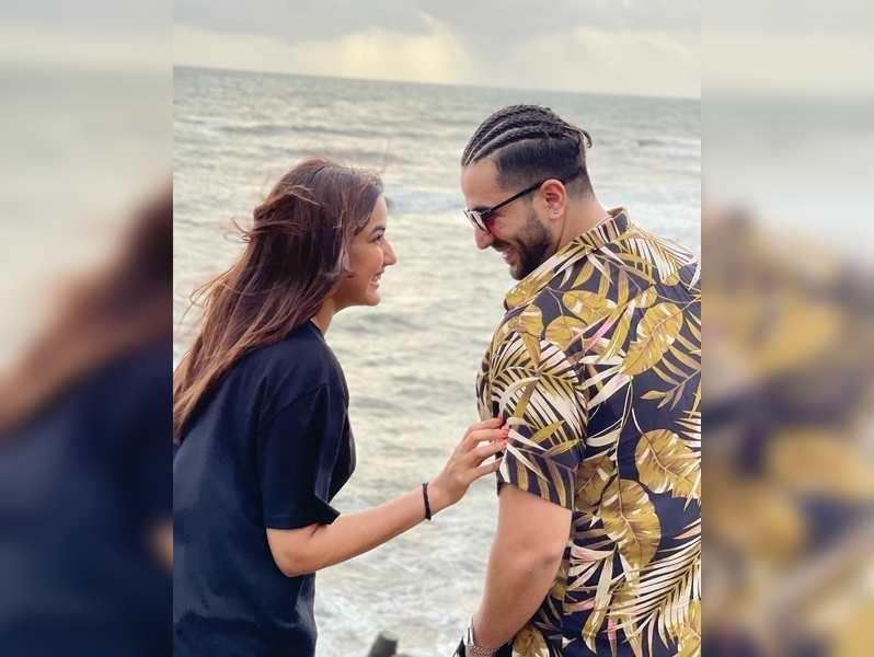 Jasmin Bhasin and Aly Goni in Goa
