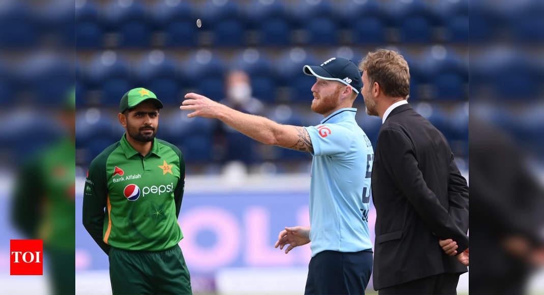 England vs Pakistan, Live Cricket Score, 1st ODI  – The Times of India : 3.1 : Pakistan : 17/2