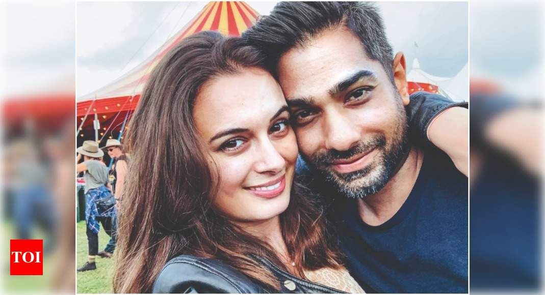 Exclusive! Newly-weds Evelyn Sharma and Tushaan Bhindi are expecting their first child – Times of India