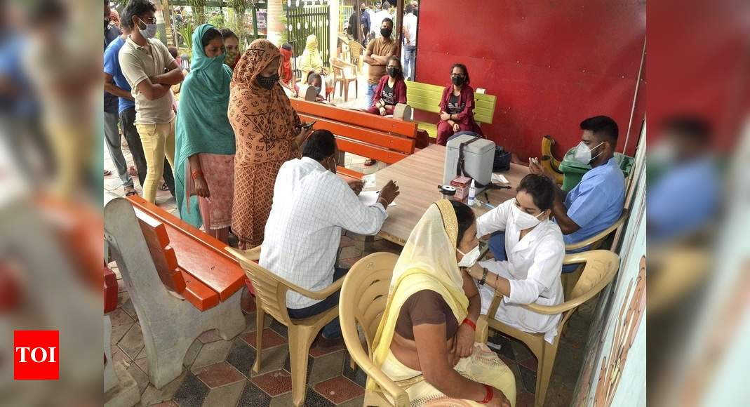 Photo of Coronavirus vaccine news: Over 1.54 crore Covid-19 vaccine doses available with states, private hospitals: Centre | India News