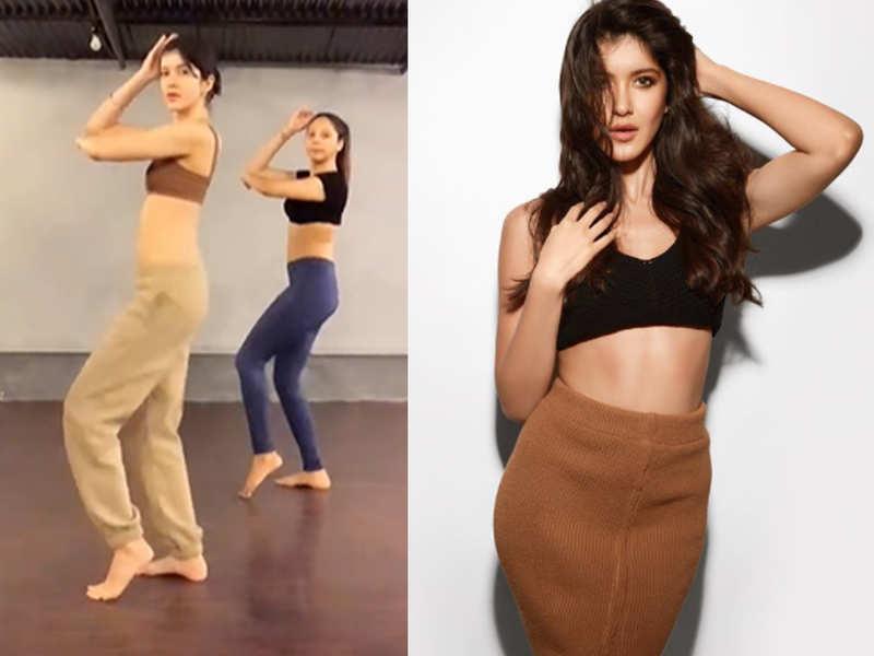 Suhana Khan showers love on BFF Shanaya Kapoor's latest belly dancing reel on Instagram