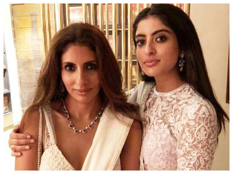 Navya Naveli Nanda calls mom Shweta Bachchan her 'twin' as the latter shares a throwback black-and-white photo from her school days