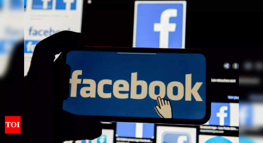 Why Facebook advertisers are 'panicking' over this iPhone feature – Times of India
