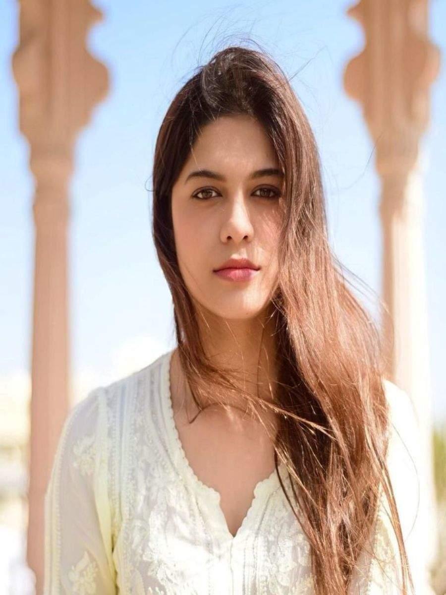 Asha Bhat's stunning ethnic avatars