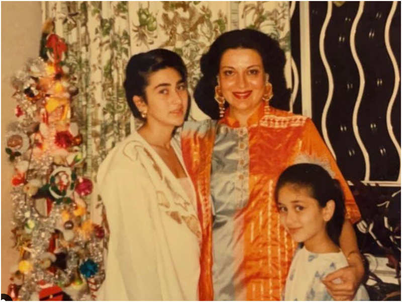 Kareena Kapoor wonders 'if it's Christmas already' as she shares a throwback picture with sister Karisma and mom Babita Kapoor