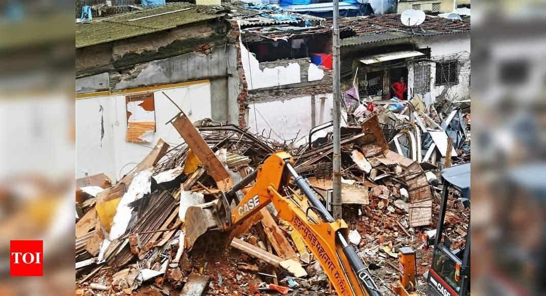 Photo of Mumbai: MMRDA demolishes 15 structures, BJP and locals protest | Mumbai News