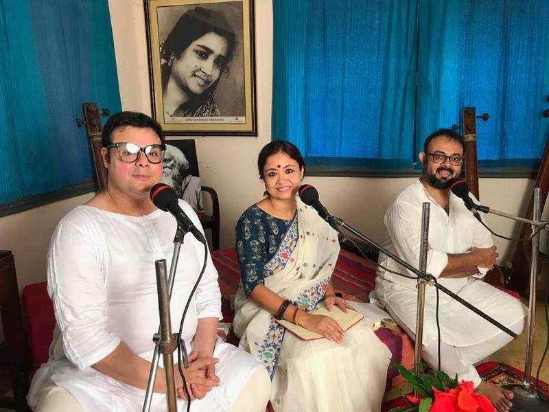 Sujoy Prosad Chatterjee is in Santiniketan for a work-cum-pleasure trip