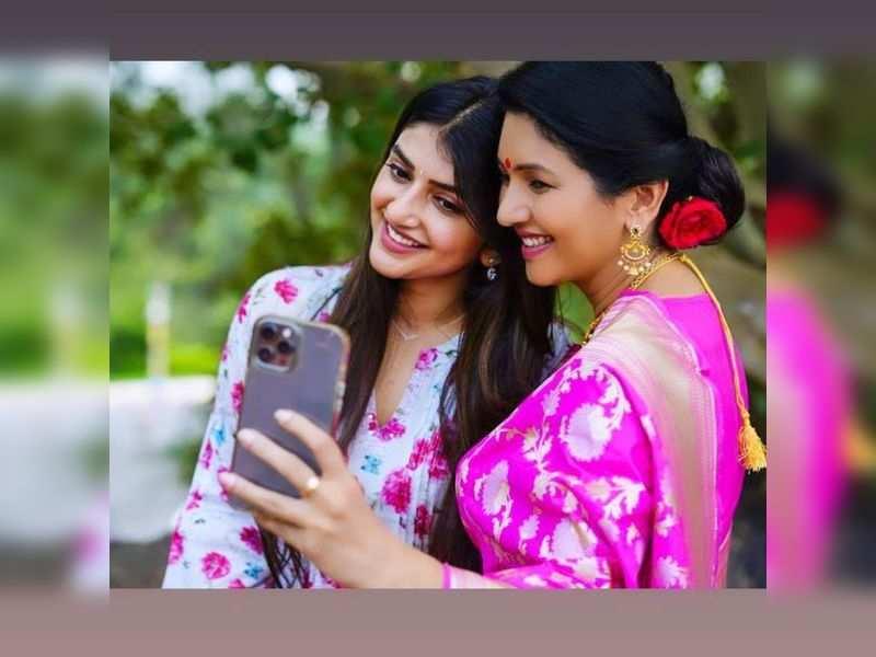 When Bharaate girl Sree Leela met Deepti Bhatnagar