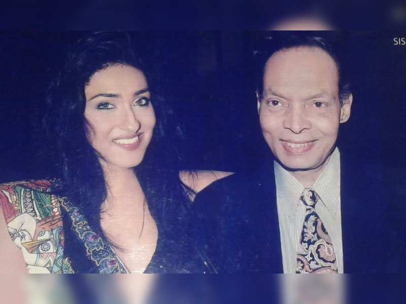 Rituparna writes an emotional note on her dad's death anniversary