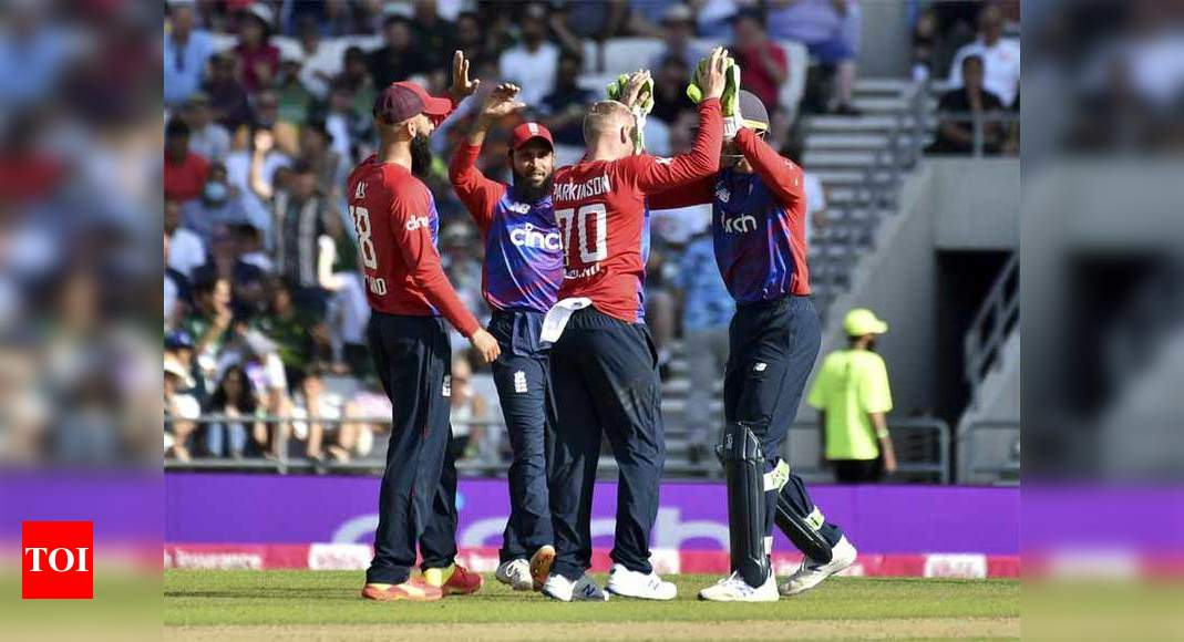 2nd T20I: Spinners shine as England beat Pakistan to level series 1-1   Cricket News – Times of India