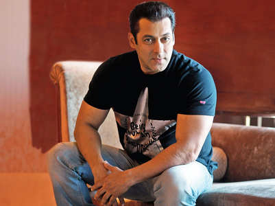 Salman reacts to a troll demanding money back