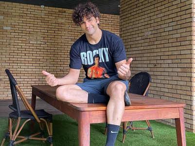 Vivek's natural trick of straightening curls