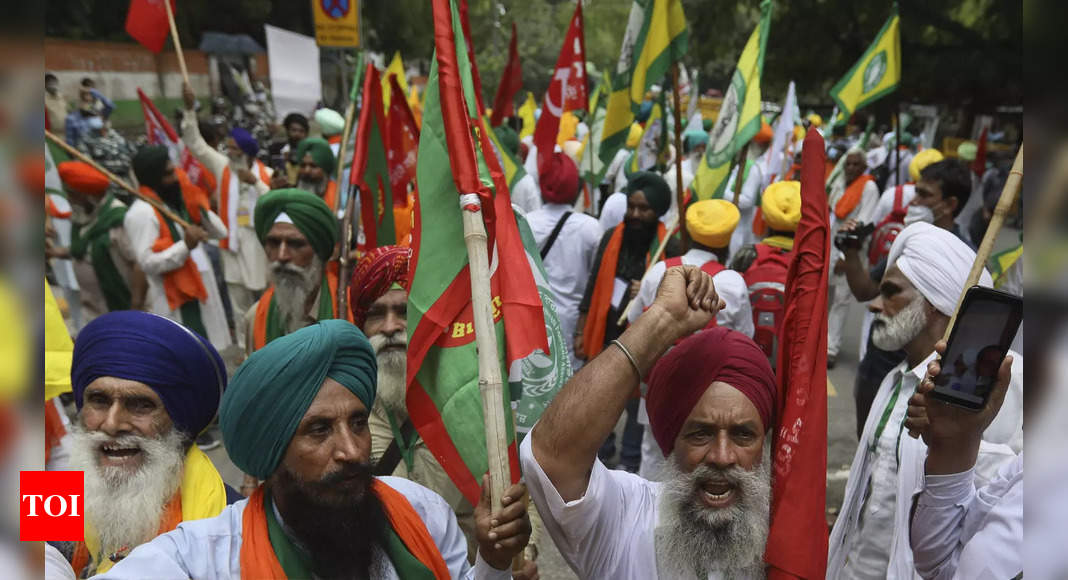 Protesting farmer leaders say they suspect govt snooping on them | India News – Times of India