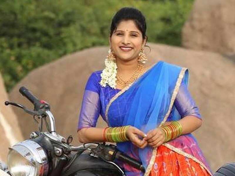 Singer Mangli addresses the controversy surrounding Bonalu song Chettu Kinda Koosunnavamma