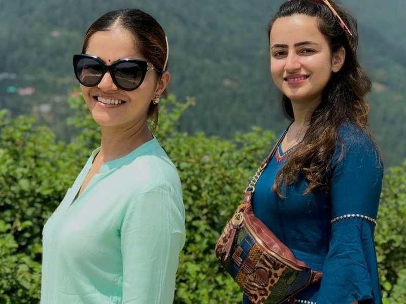 Bigg Boss winner Rubina Dilaik wishes sister Jyotika on her birthday with fun photos and videos
