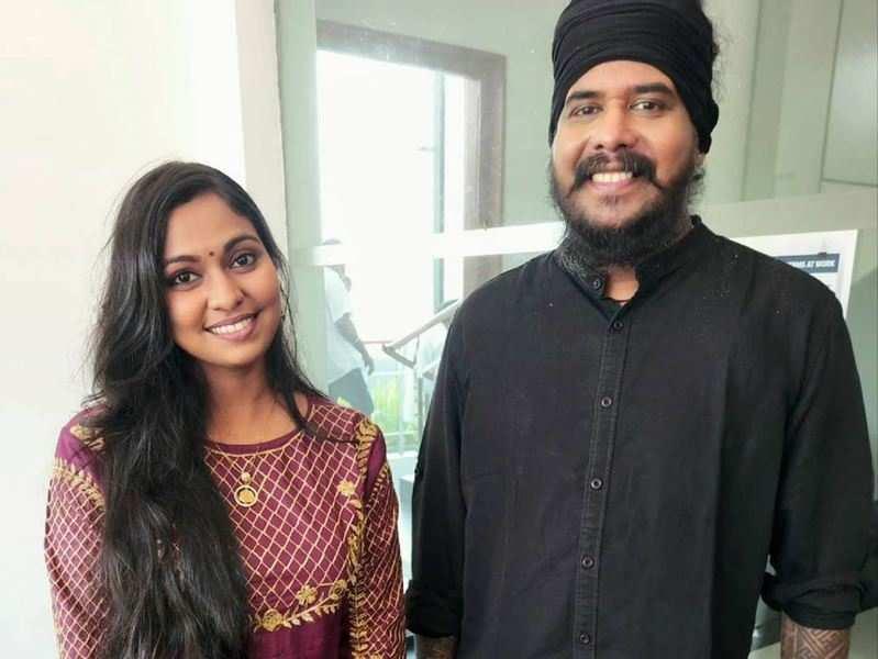 Super 4 contestant Gayathry Rajiv enjoys a fangirl moment with Harish Sivaramakrishnan, calls him an 'inspiration'