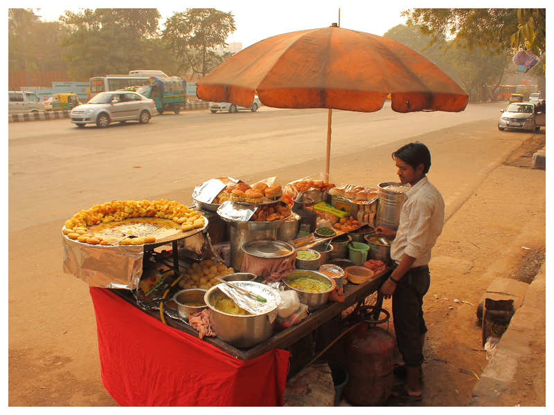 More than 250 chaat and paan sellers in Kanpur found to be millionaires