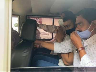 Raj moves Bom HC, challenges illegal arrest