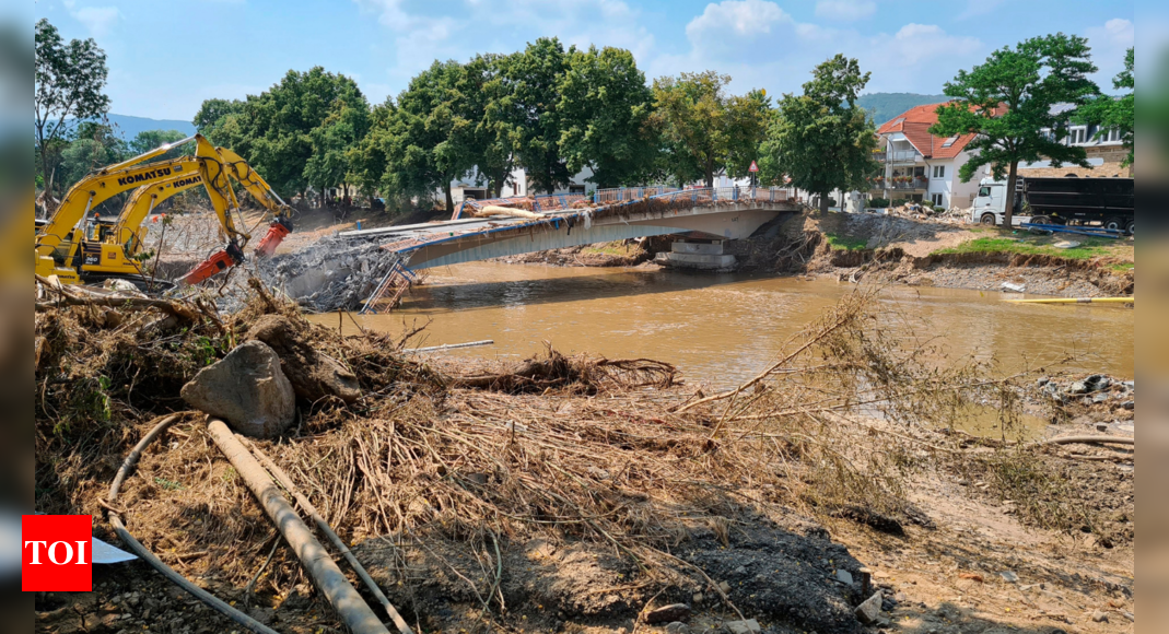 Residents of flood-hit German towns talk of short lead time – Times of India