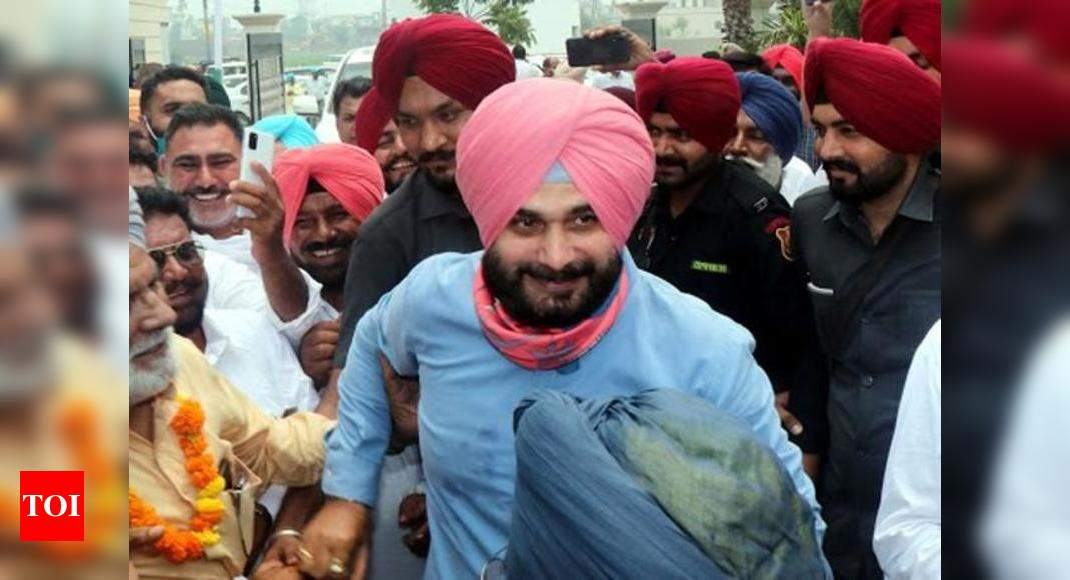 New PCC chief Sidhu faces protest by Punjab farmers | India News – Times of India