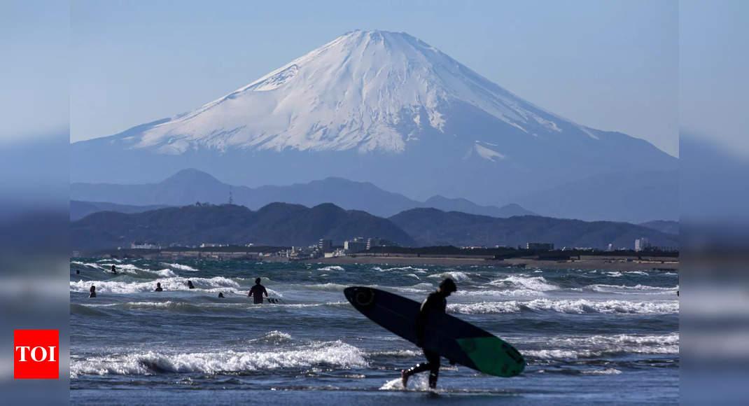 'Purified': Japanese hikers return to Mount Fuji