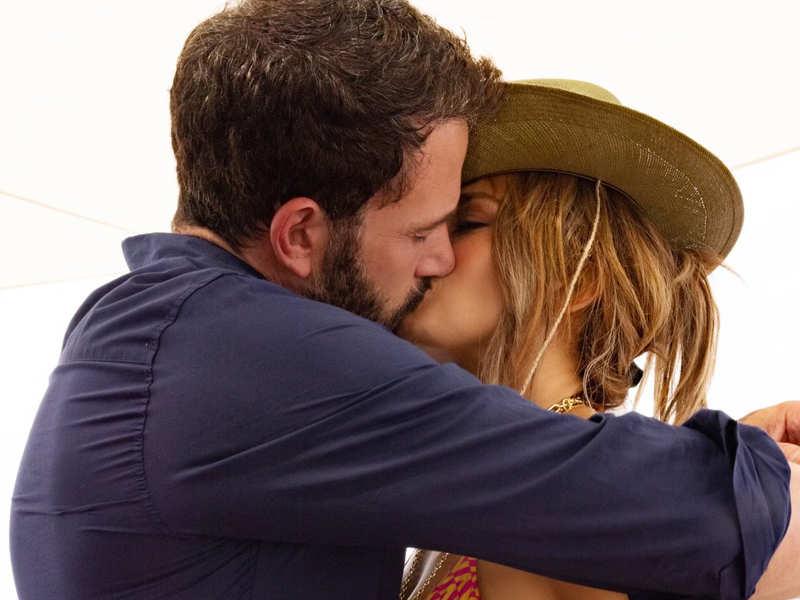 Jennifer Lopez, Ben Affleck make their relationship Instagram official, share a steamy kiss
