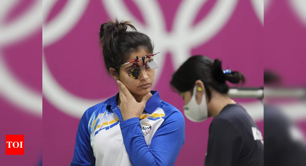 Manu Bhaker tells her father after pistol malfunction at Tokyo Olympics 2020 | Tokyo Olympics News – Times of India