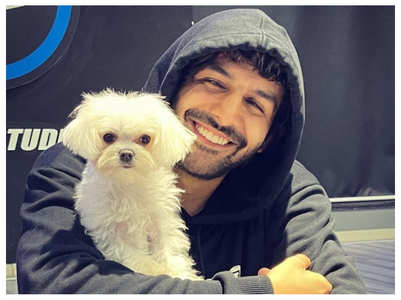 Kartik posts a picture with his fur buddy