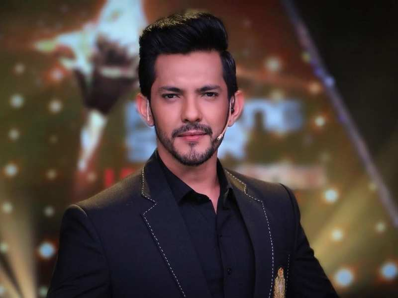 Aditya Narayan clarifies he's not going to be a part of Bigg Boss 15; says, 'Would love to host it but don't have the time or inclination to participate'