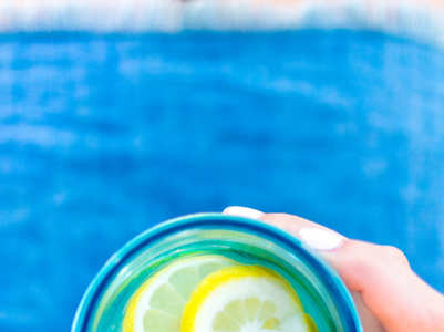 This is what happens to your skin when you drink lemon water daily