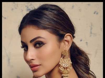 Mouni Roy's ethnic outfits for your wardrobe