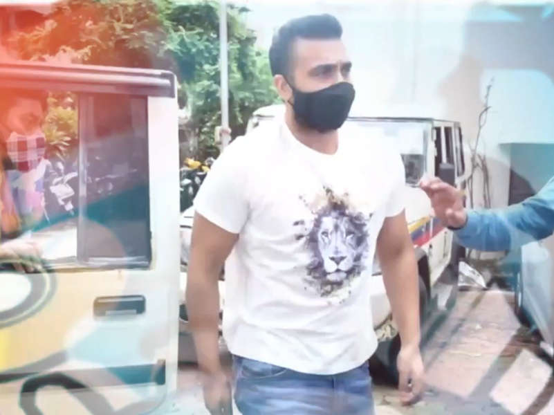 Trader from Ahmedabad files cheating complaint against Raj Kundra's Viaan Industries