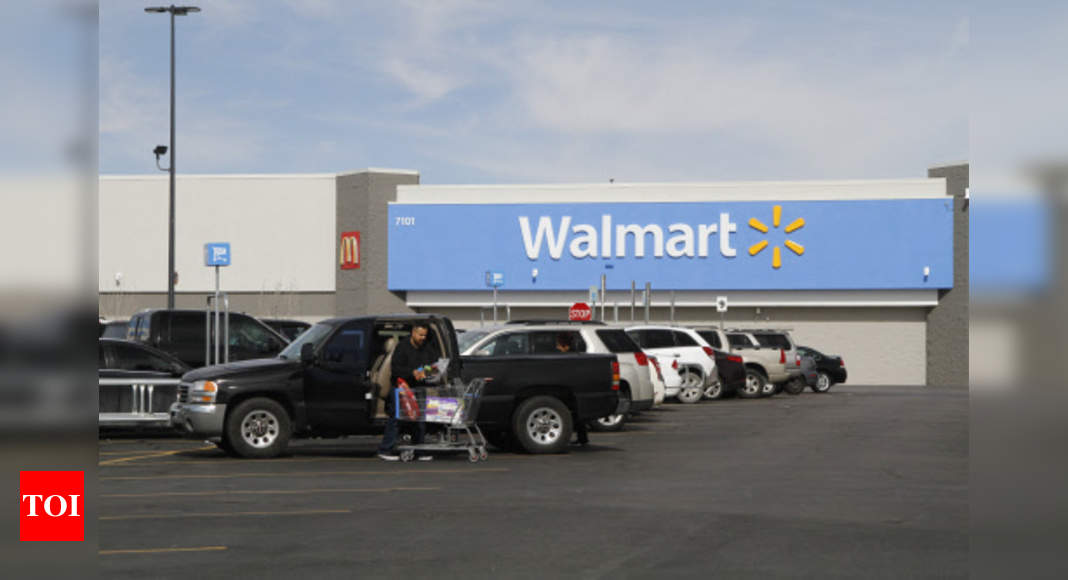 Walmart to pay college, book costs for full, part-time staff