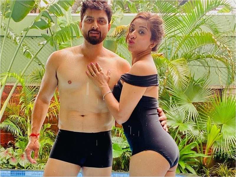 Bigg Boss fame Monalisa's husband Vikrant turns a year old; the actress wishes him with fun romantic photos