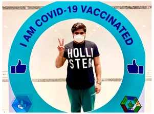 Hemant Dhome takes his second jab of the Covid-19