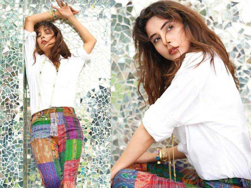 Photos: Fans go gaga over Shehnaaz Gill's latest look