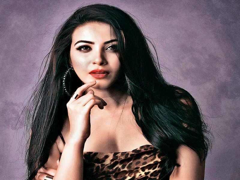 Kavya Shetty bags Prithviraj's Bro Daddy as her Malayalam debut